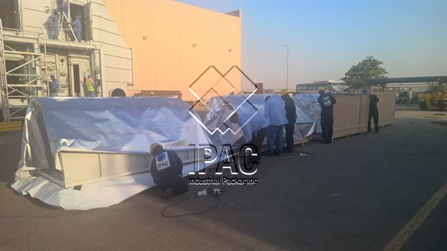 Packing of bulky equipments with vacuum packing (2 400 M3)- Dubai